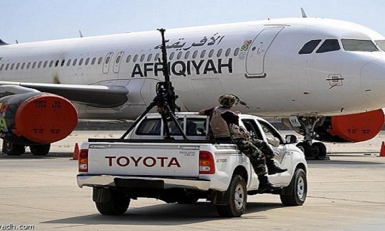 مسلحون يسيطرون على قلب العاصمة الليبية