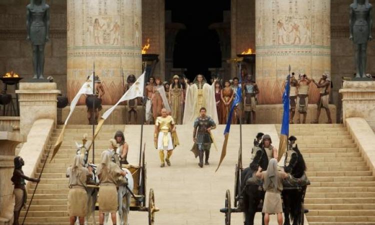 بالصور والفيديو..هوليوود تستكمل سلسلة أفلامها التوارتية.. وتنتظر موسى