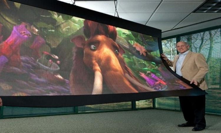 شاشة مرنة قابلة للطى من 'إيه أو سي'