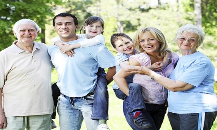 لا تبحث عن السعادة بعيدًا وإليك بعض أسباب وجودها بالعائلة