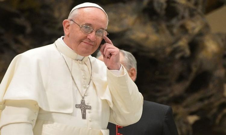 """بابا الفاتيكان: لا أفقه شيئا فى التكنولوجيا.. والإنترنت """"هدية من الرب"""""""