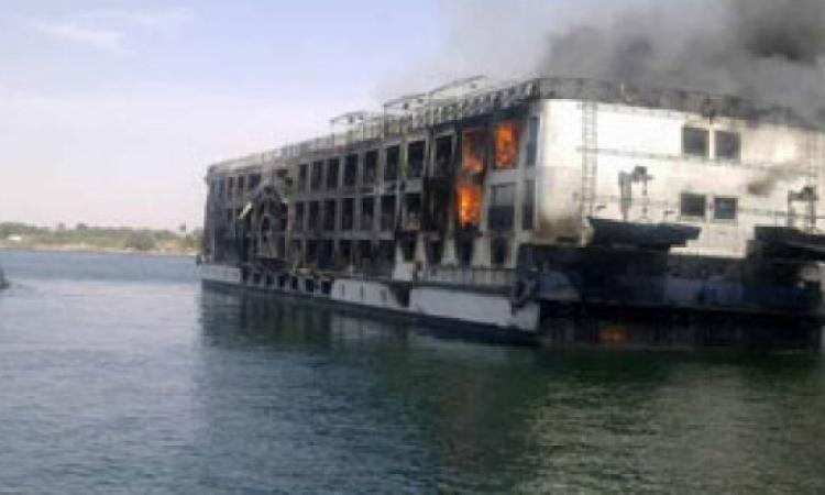 السيطرة على حريق فى باخرة سياحية بأسوان