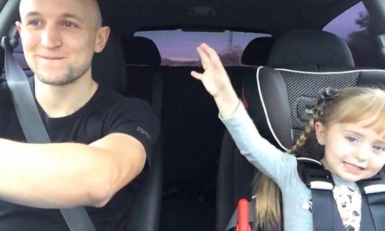 """بالفيديو: طفلة تغني """"Let It Go"""" بطريقة تذهل الملايين"""