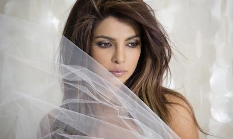 الجميلة .. بريانكا شوبرا تفقد الوعى خلال تصوير فيلمها الجديد