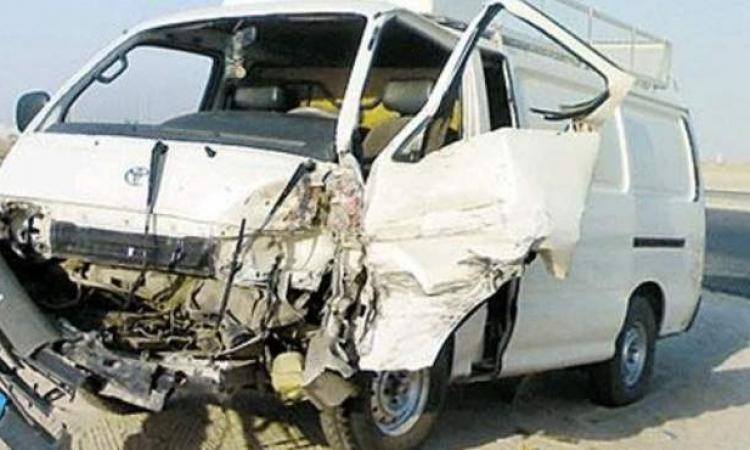 إصابة 13 شخص فى حادث انقلاب سيارة أجرة على طريق قليوب