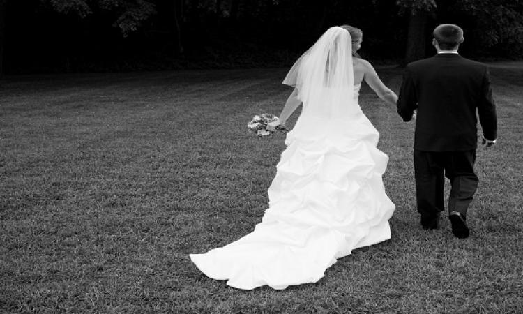 للمتخوفين من الزواج ..  صحة أفضل وخسارة سعرات حرارية من أهم فوائد الزواج
