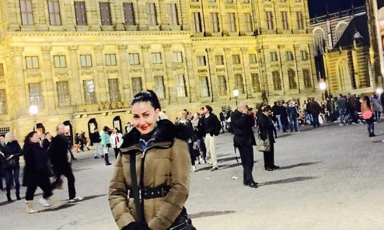 بالصور .. غادة عبد الرازق تتجول فى شوارع لندن وباريس