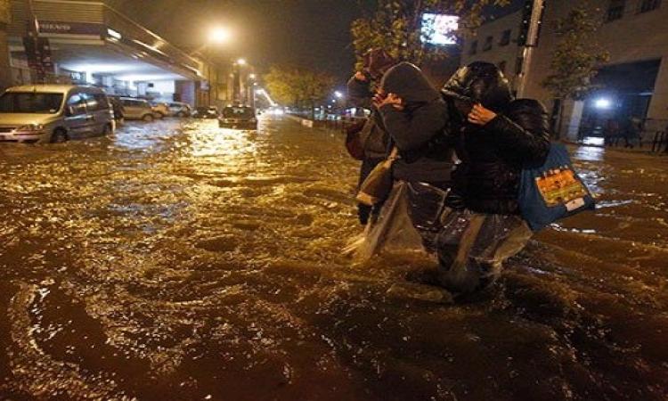 فيضانات عارمة تضرب إيطاليا والسلطات تغلق محطات المترو