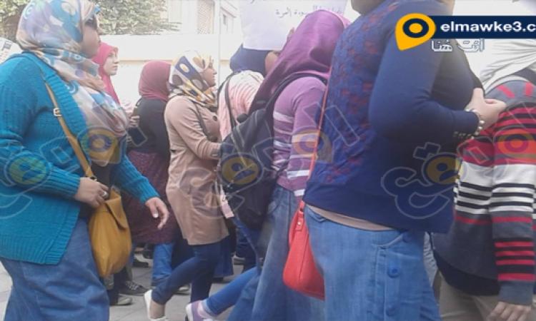 """بالصور .. """"الموقع نيوز"""" يرصد مظاهرات جامعة القاهرة .. """"الشعب يريد إسقاط النظام"""""""
