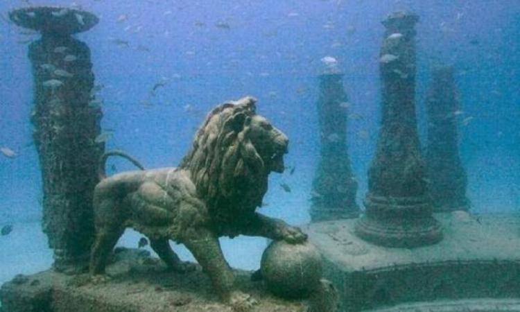 شاهد .. «نبيتون ميموريال» مقبرة استثنائية تحت الماء تحاكي أطلانتس