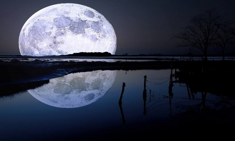 بالصور .. روعة انعكاسات القمر