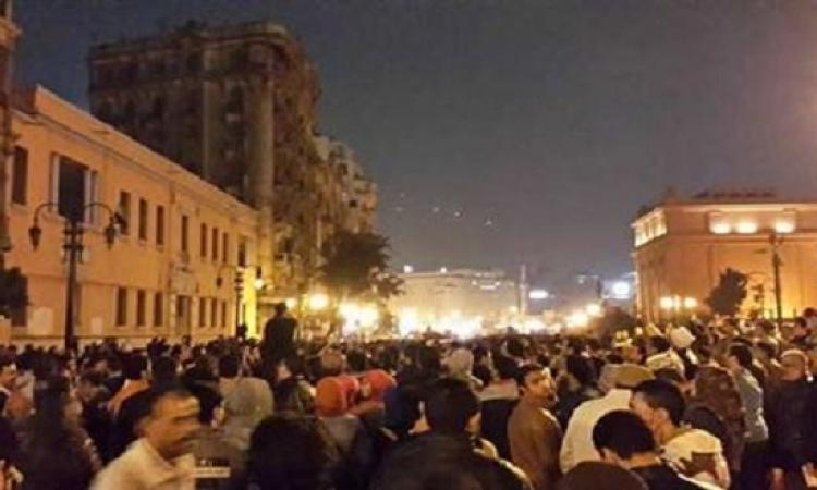 بالصور .. تظاهرات التحرير اعتراضًا على براءة متهمى قضية القرن