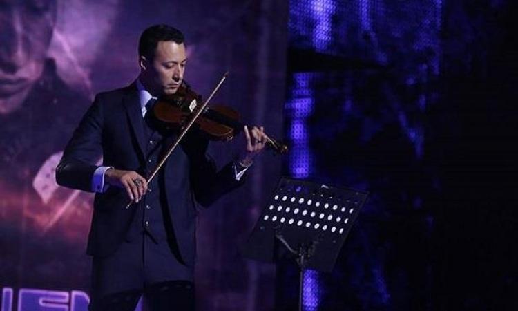 أحمد فهمي عازف كمان في Arab Idol .. وأصالة تمدحه على تويتر