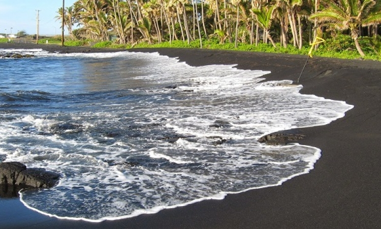 شاهد جمال شاطىء الرمال السوداء في أيسلندا