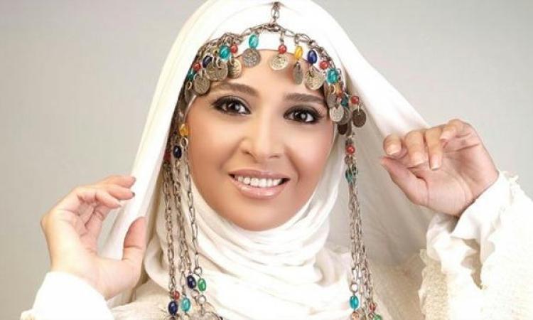بعد وضعها على لائحة الارهاب .. حنان ترك ممنوعه من دخول الإمارات