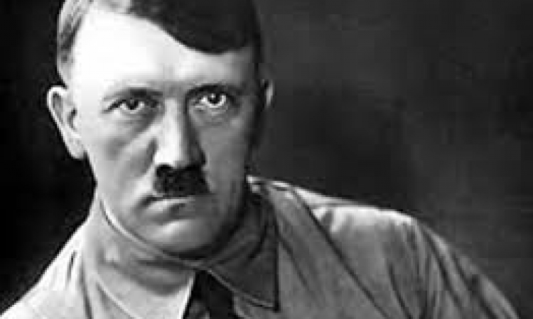 هتلر يعود إلى الحياة ويثير الدهشة في المانيا