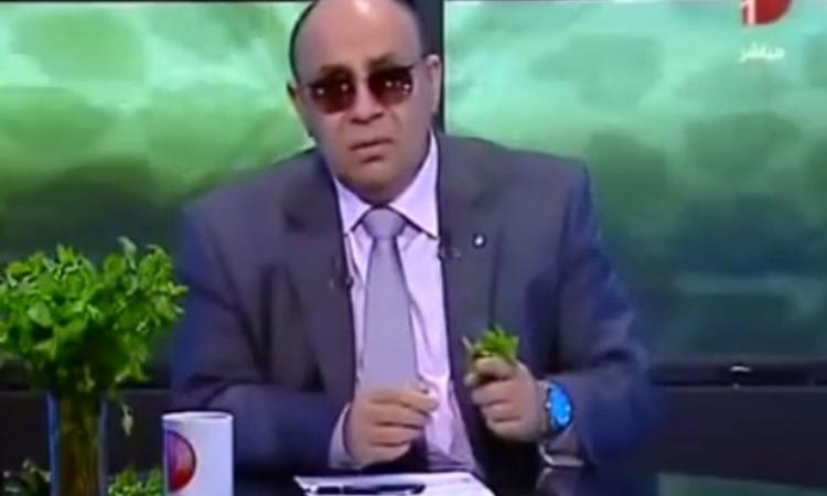 """فيديو.. الشيخ """"مبروك عطية"""" يفجر مفاجأة سرالنظارة والوردة"""
