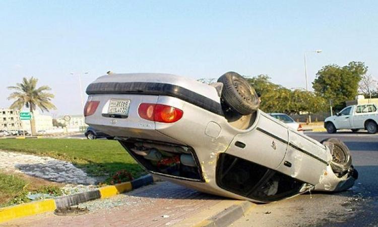 """حالة من التكدس المرورى بمحور 26 يوليو بسبب انقلاب سيارة أمام """"هايبر وان"""" بـ6 أكتوبر"""