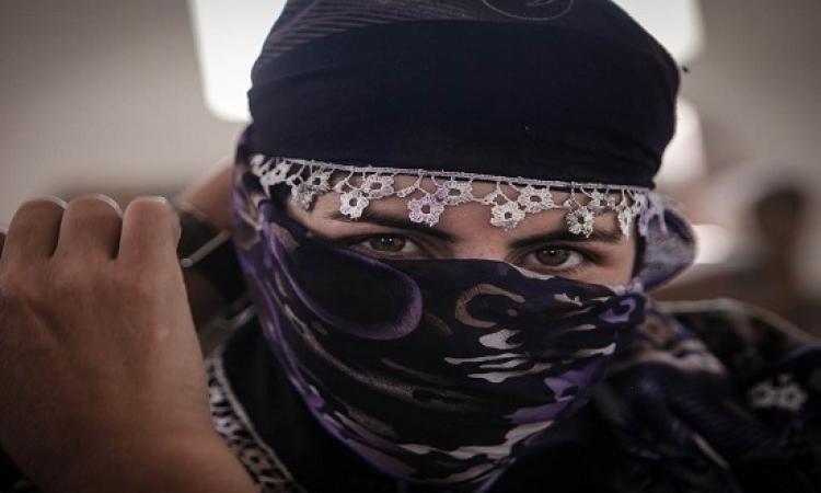 بالصور .. مجاهدات النكاح يشتكين من جودة الشامبو وصالونات التجميل بدولة داعش !!