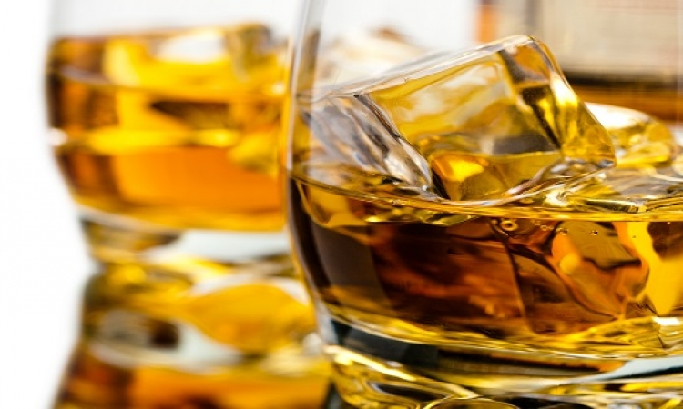 """دراسة أمريكية: الرغبة فى تناول الكحوليات ترتبط بـ""""البيئة والوراثة"""""""