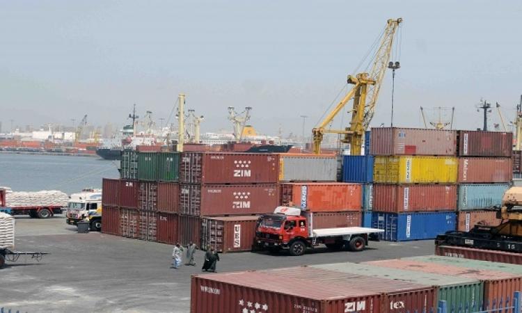 إغلاق بوغازى ميناءى الدخيلة والإسكندرية بسبب سوء الأحوال الجوية وارتفاع الأمواج