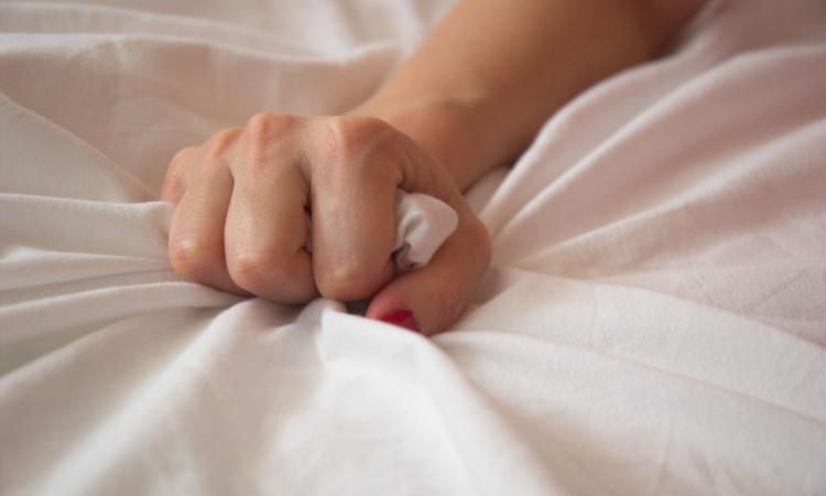 وفاة زوجة أثناء ممارسة العلاقة الزوجية …طب أزاى؟؟