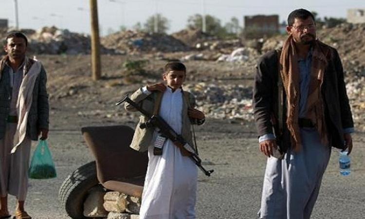 بالفيديو..على غرار أطفال غزة طفل يمنى يتلقى رصاص الحوثيين بشجاعة