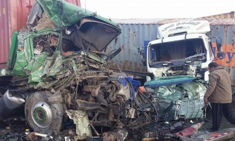 بالصور.. حادث مروع على طريق القاهره إسكندرية
