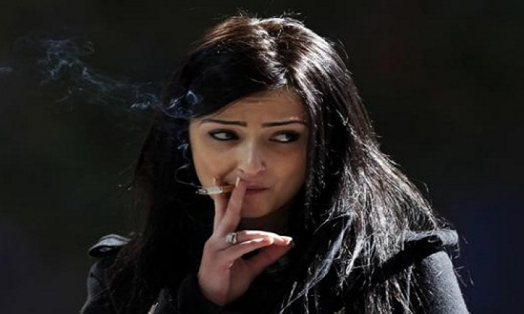 تعرفى على أفضل وقت لإقلاع الفتاة عن التدخين