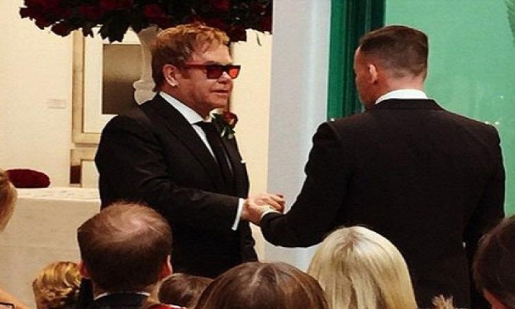 التون جون يتزوج صديقه ديفيد فيرناش رسميا