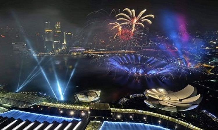 بالصور.. سنغافورة تستقبل راس السنة 2015 بالاحتفالات