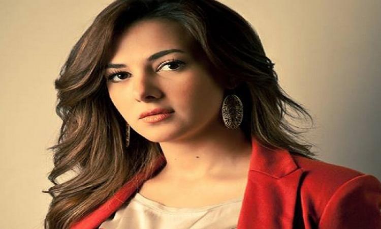 """دنيا سمير غانم  أعلنت انسحابها رسمياً من مسلسل """"الكبير قوي"""""""