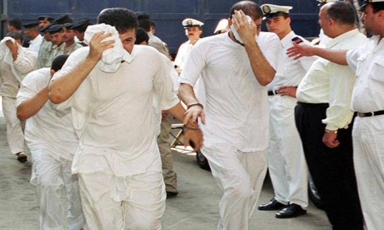 تخفيض الحكم بالسجن على المتهمين في فيديو زواج المثليين من 3سنوات الى سنة واحدة