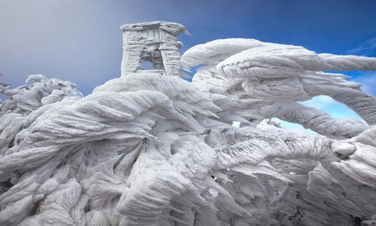 بالصور .. الثلج يحول جبل فى سلوفينيا الى تحفة فنية