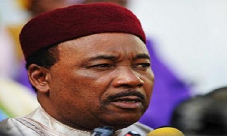 رئيس النيجر: لا بد من تدخل عسكرى جديد فى ليبيا