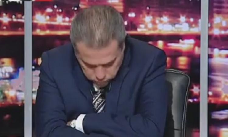 بالفيديو .. توفيق عكاشة ينام على الهواء .. آه يا نوم يا نوم !!