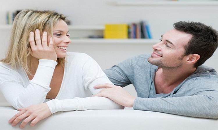 استمع إلى زوجتك لتحظى بأربعة أمور