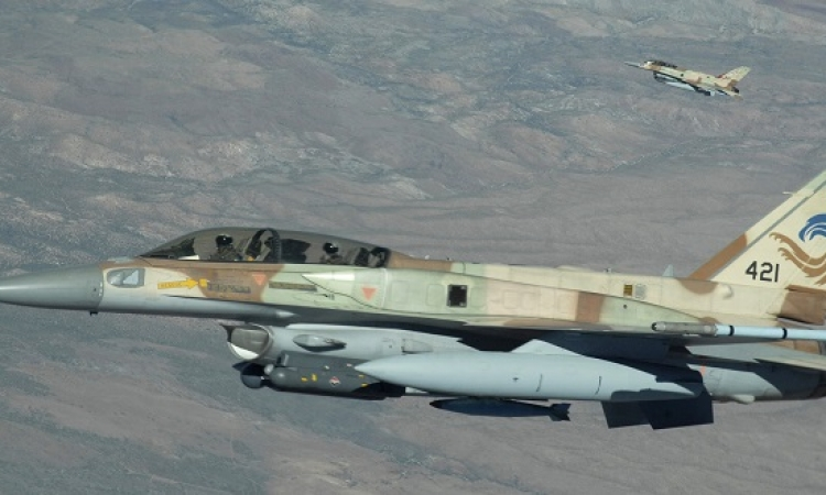 الطيران الإسرائيلى يقصف مواقع للجيش السورى فى القنيطرة