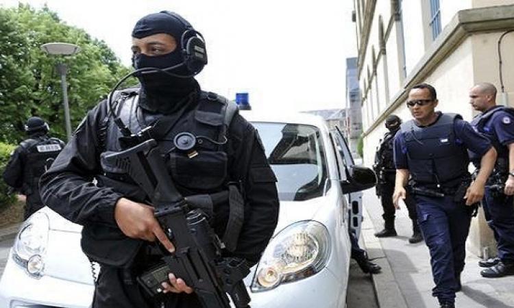 """الشرطة الفرنسية تطارد منفذى هجوم """"شارلى ابيدو"""" في باريس"""