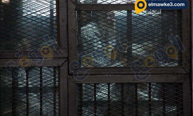 بالصور.. محاكمة محمد الظواهرى وآخرين بتهمة إنشاء تنظيم إرهابى تابع للقاعدة