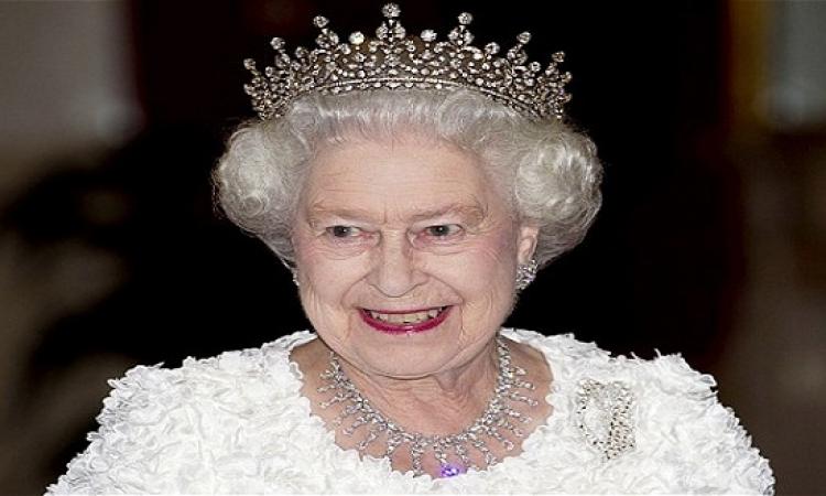 مزاد علنى من أجل قطعة كعكة من زفاف ملكة بريطانيا