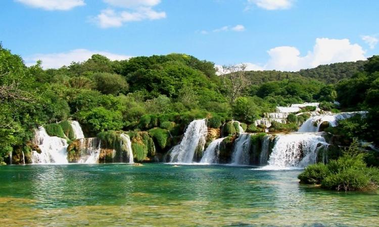 شلالات كركا .. عنوان السحر والجمال فى حديقة كرواتيا الوطنية