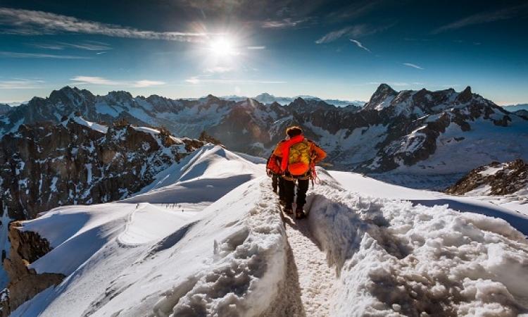 بالصور .. أروع وأجمل اللقطات لسحر الطبيعة وقمم الجبال حول العالم