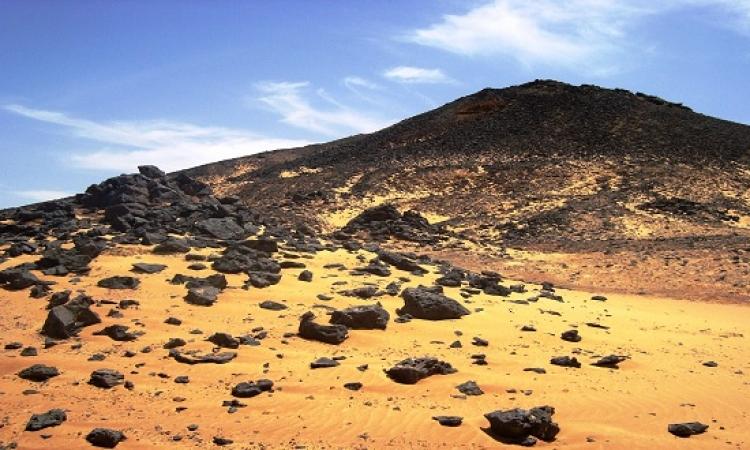 تعرف على الصحراء السوداء فى مصر