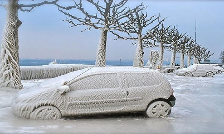 بالصور .. لوحات ثلجة رائعة على السيارات بسبب العواصف الثلجية حول العالم