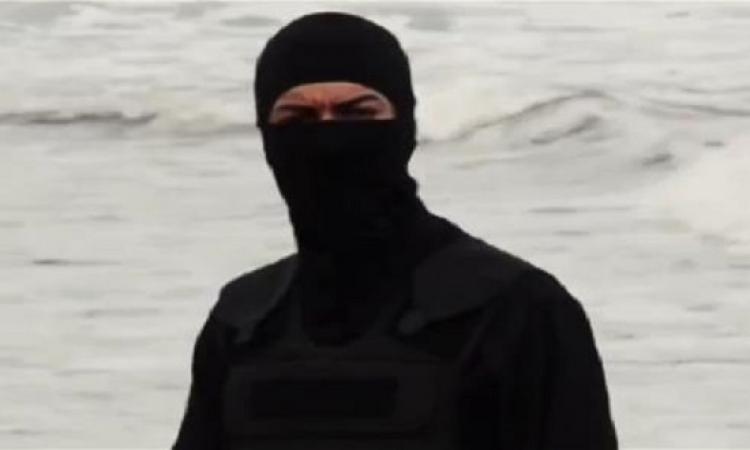 بالصور .. لغز الفتاة الداعشية التى شاركت فى ذبح المصريين فى ليبيا ؟