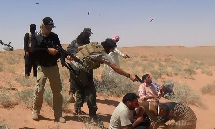 داعش تواصل إرهابها ضد غير المسلمين .. وتختطف 220 مسيحيا شمالى سوريا