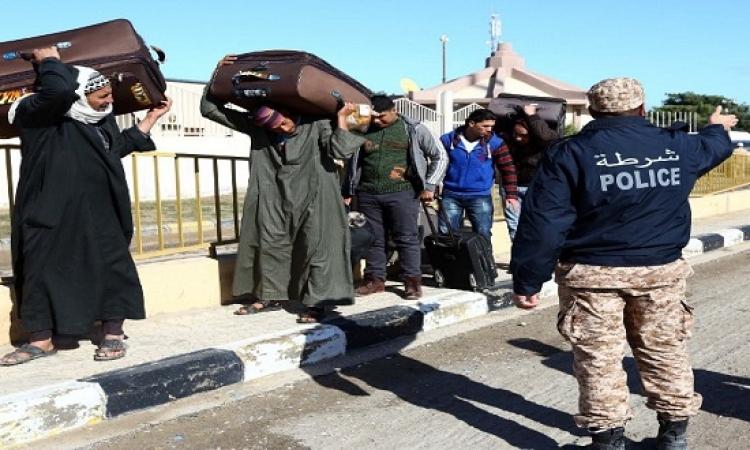 الطيران: نقل 5637 مصريا من مطار جربا التونسى