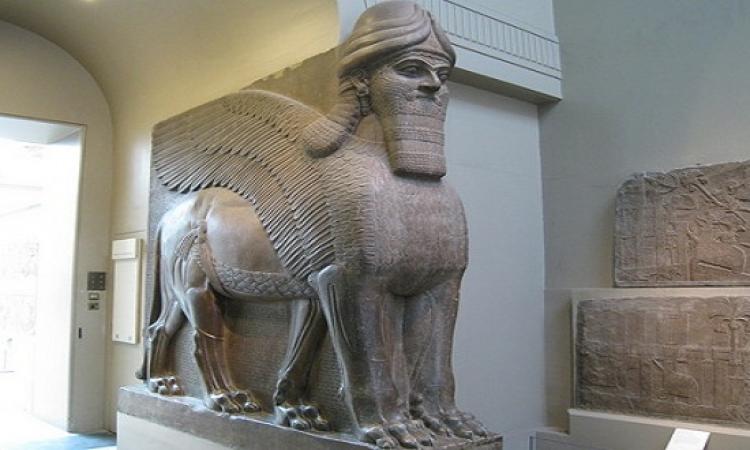 بالفيديو .. داعش يحطم تماثيل متحف نينوى .. اصلها أصنام .. فينيك يا يونيسكو !!