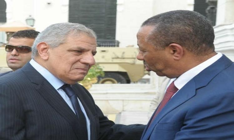 رئيس الوزراء الليبى يُعزى محلب عبر مكالمة هاتفيه